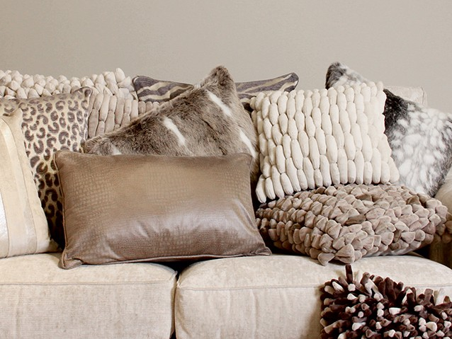 GET THE LOOKTEXTURE & FUR CUSHIONS