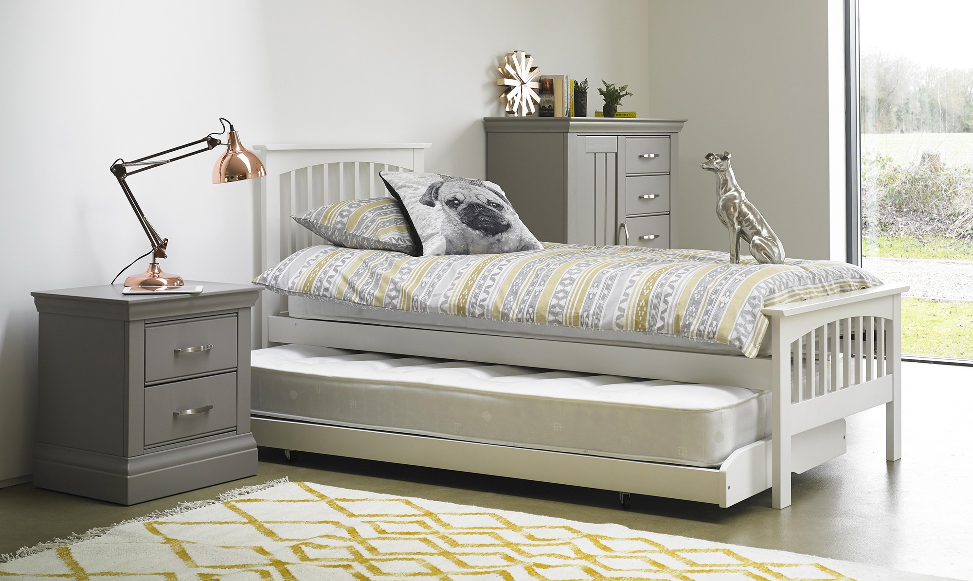 Lucy guest bed