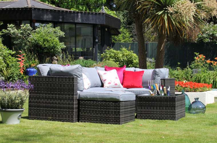 Which Type Of Garden Furniture Set Is Best For My Garden Fishpools