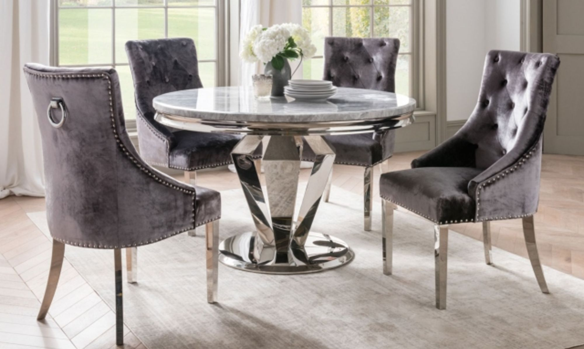 Missano Grey round dining table