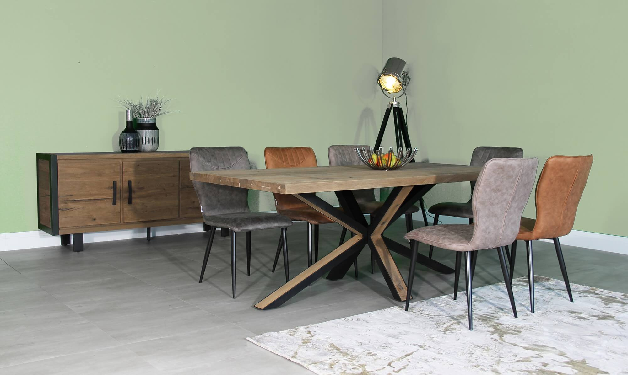Banks oak dining table - Fishpools