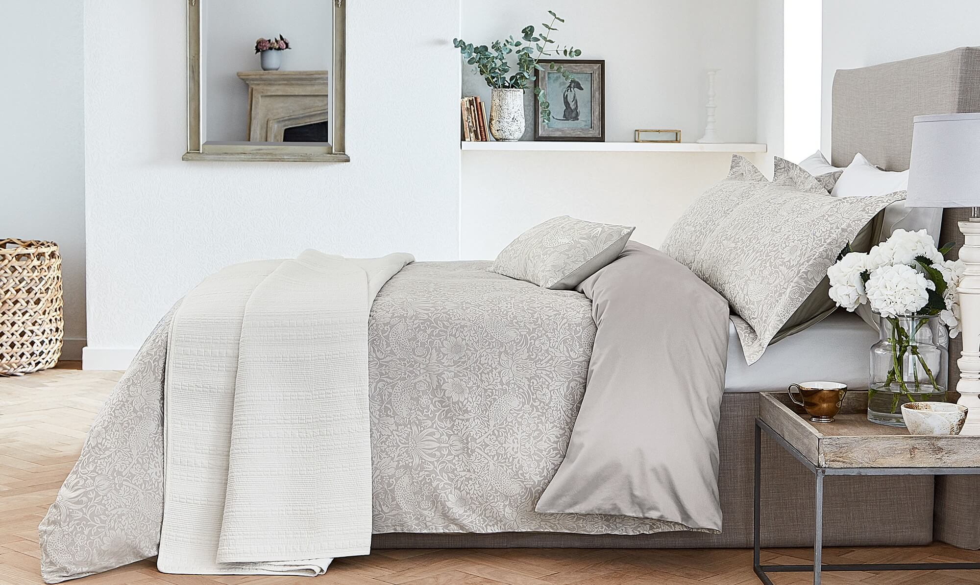 Grey William Morris bedding - Fishpools