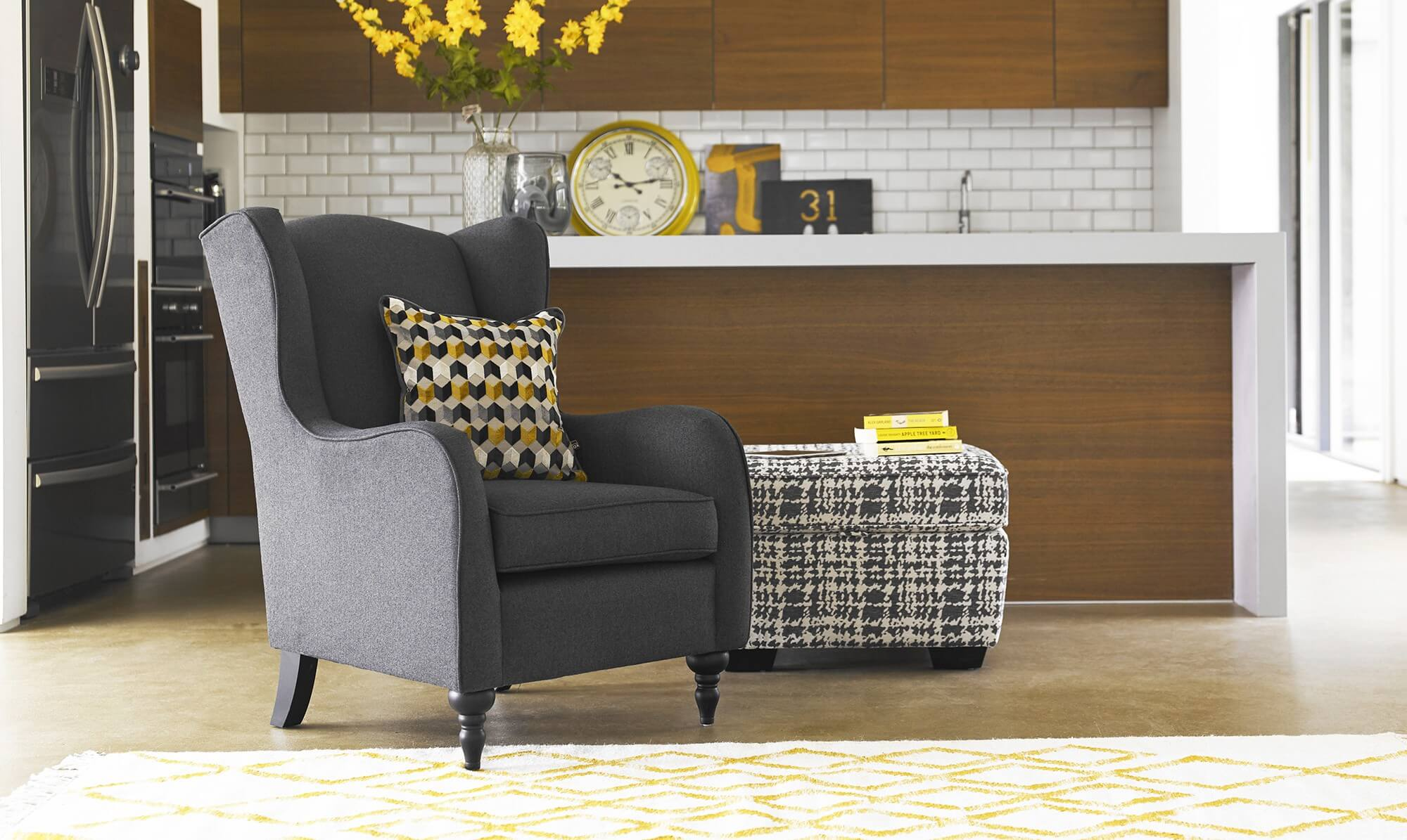 Jacob accent chair at home - Fishpools
