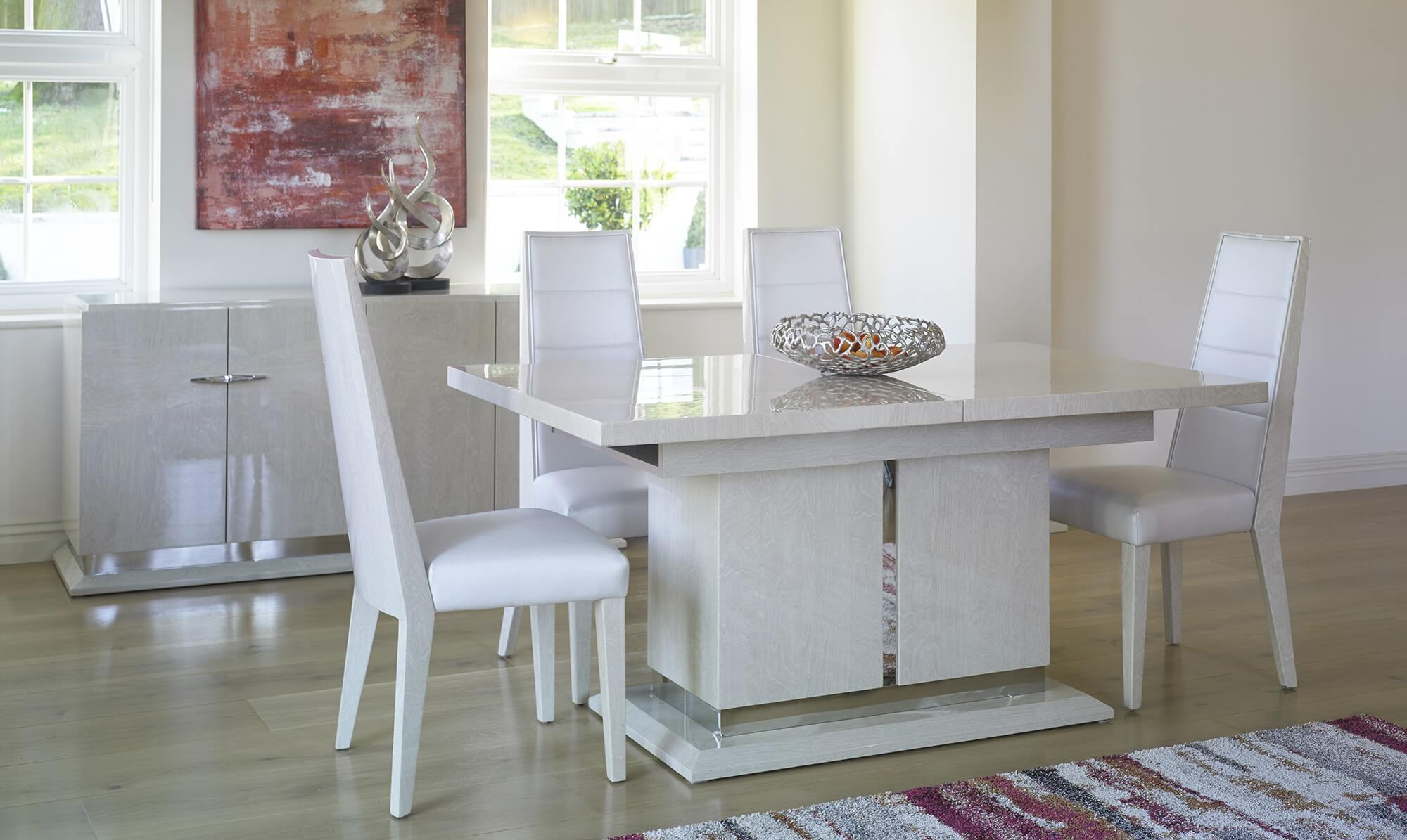 White dining table - Fishpools