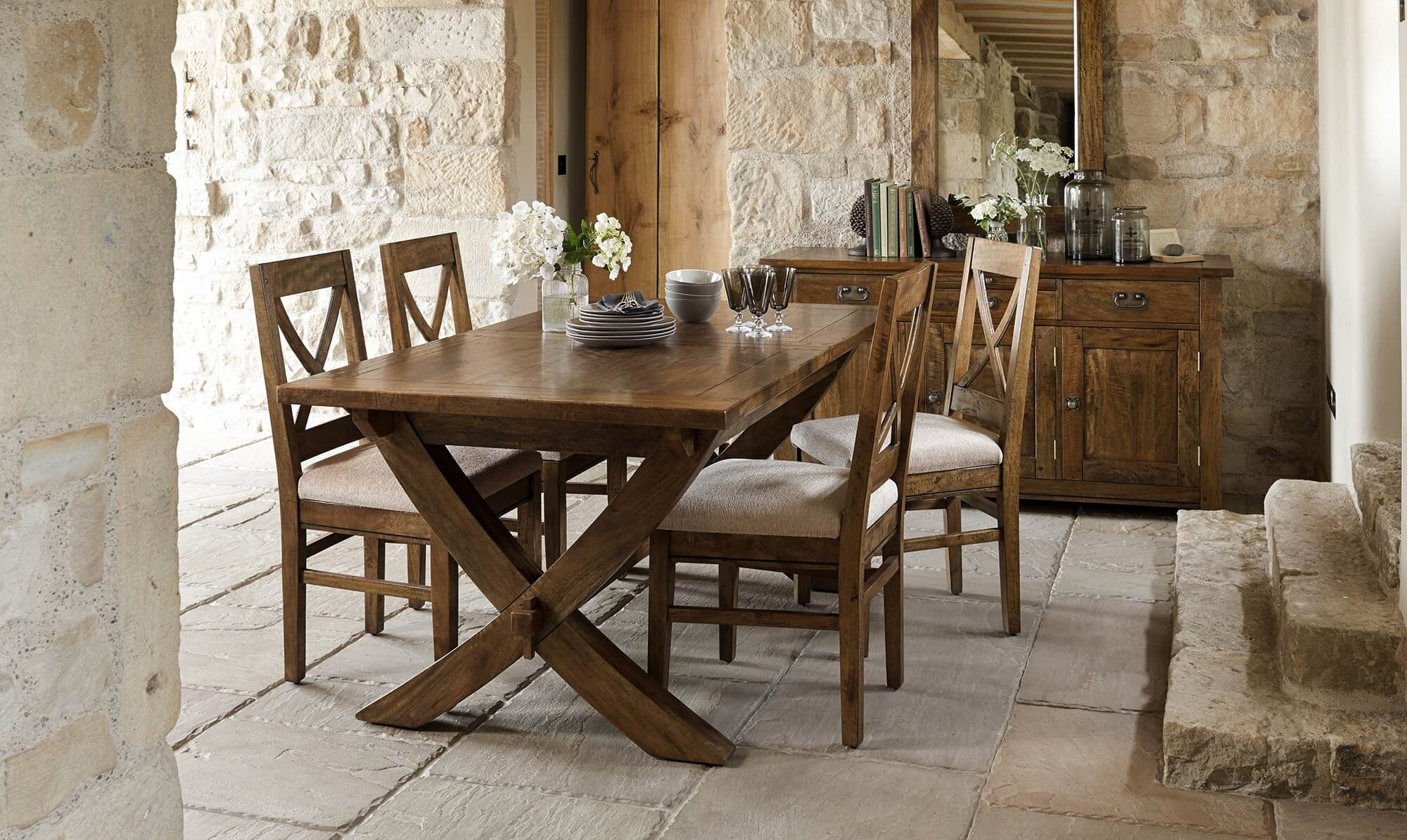 Timor dining table - Fishpools