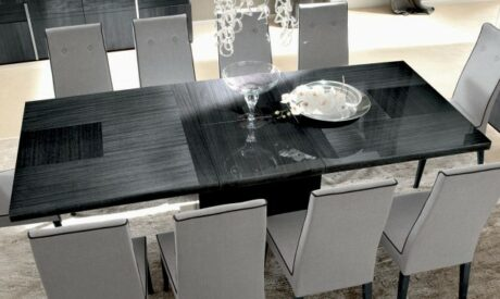 Antibes extending dining table