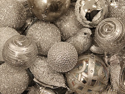 CHRISTMASSILVER BAUBLES & TREE DECORATIONS