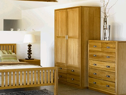 Hinged wardrobes from stock