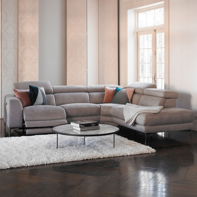 Bella - 2.5 Seat Compact Sofa With 2 Power Recliners