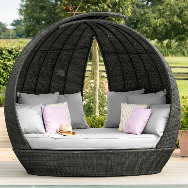 St Barts - Daybed In Grey Rattan