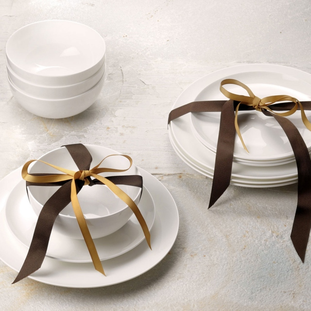 Royal Worcester Serendipity 12 Piece Set White