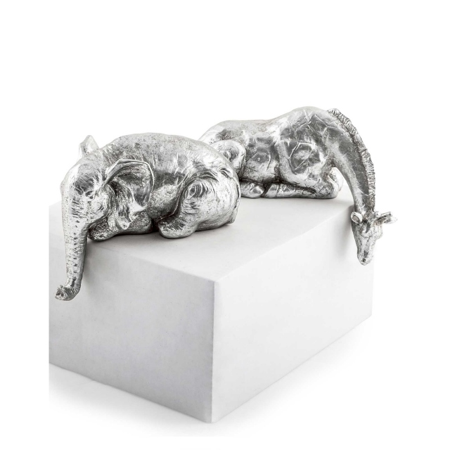 Peering Over Giraffe and Elephant Set of 2 Silver