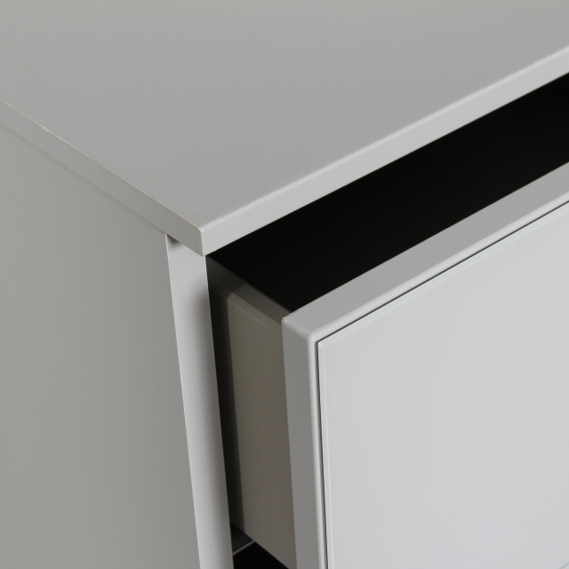 Akita  - 40cm 3 Drawer Bedside Table In A197B Silk Grey/Silk Grey Glass